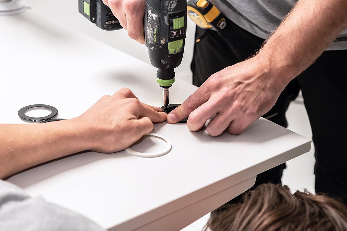 Montage en installatie - monteurs - diensten en producten - doorvoorpot - werkplekverbetering
