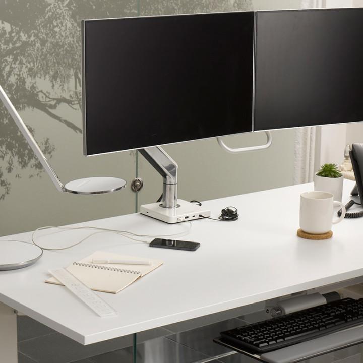 mpower_computer_charging_station - humanscale arm - monitor arm -ergonomie - charging station -USB c - elektrificatie - kabels