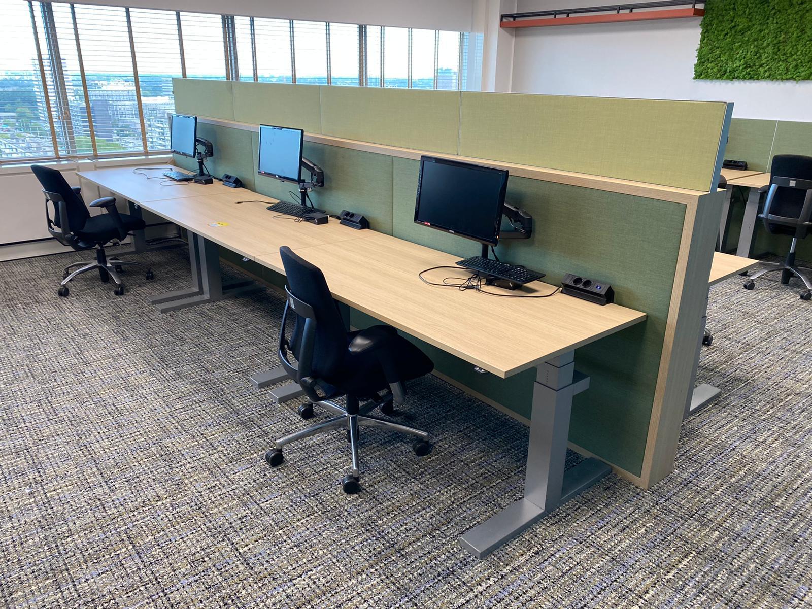 Sekondant - elektrificatie - flexible monitor arm - stroomkabel - ergonomische werkplek