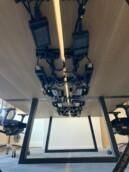 Werkplek bekabelen - cable grips - bekabeling - elektrificatie - kabelgoot - stroom kabel - stroomsnoeren - elektrische bekabeling
